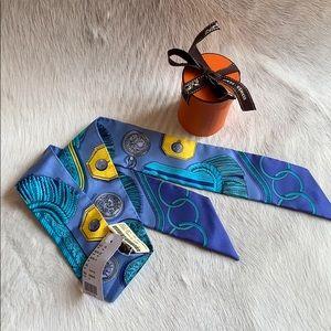 Hermès silk twilly 'Epaulettes' turquoise NWT